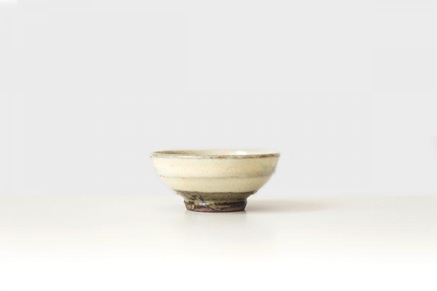 sake tasse aus keramik