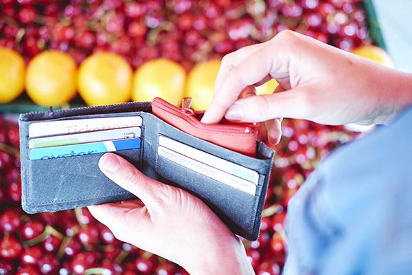portemonnaie im obstladen