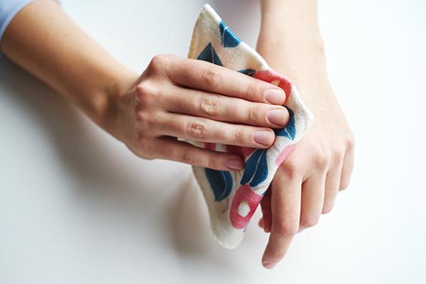 hand abtrocknen