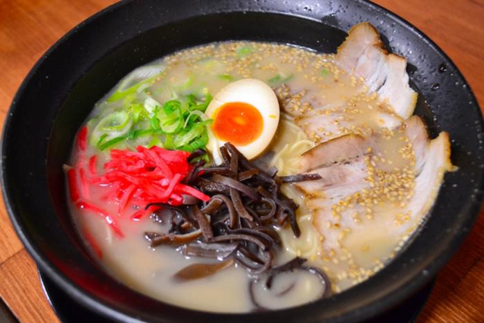 tonkotsu ramen von naniwa