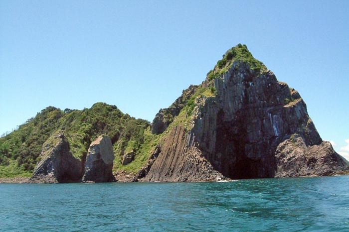 japan-felsen-meer in itoshima