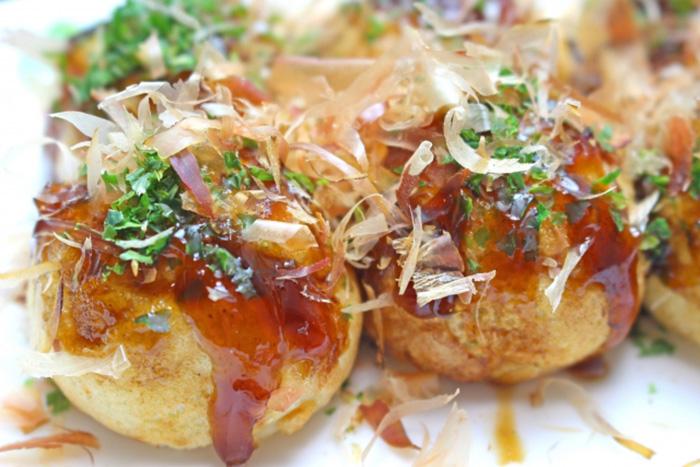 takoyaki mit bonito flocken