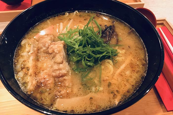 daruma-ya crispy chicken sapporo ramen