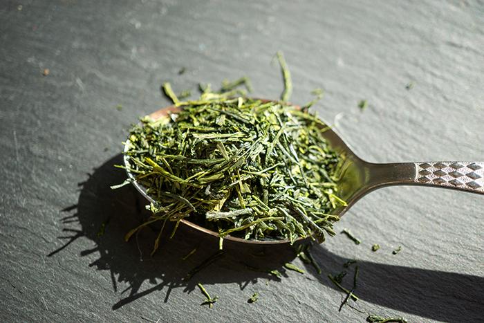 teeblätter aus japan